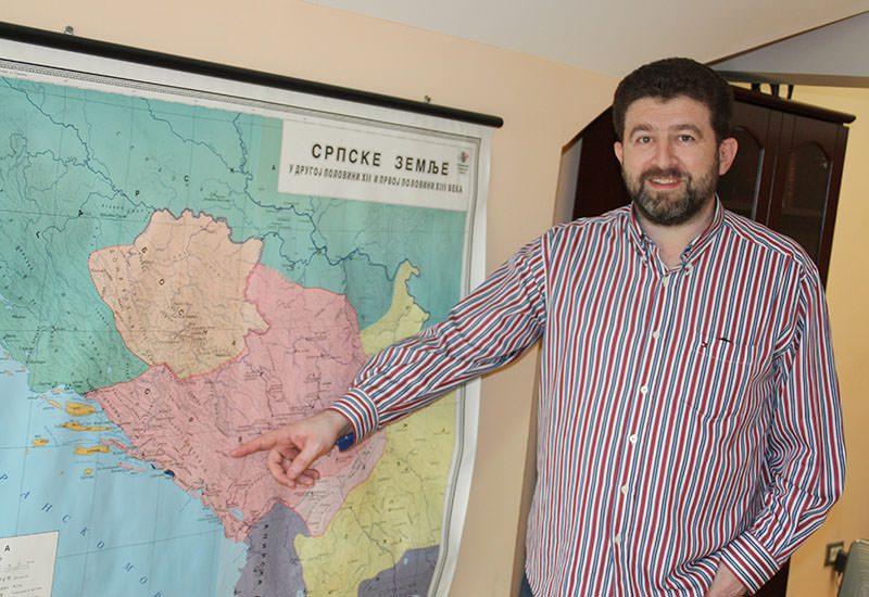 Драшковић: Гуслама је место поред иконе и кандила!
