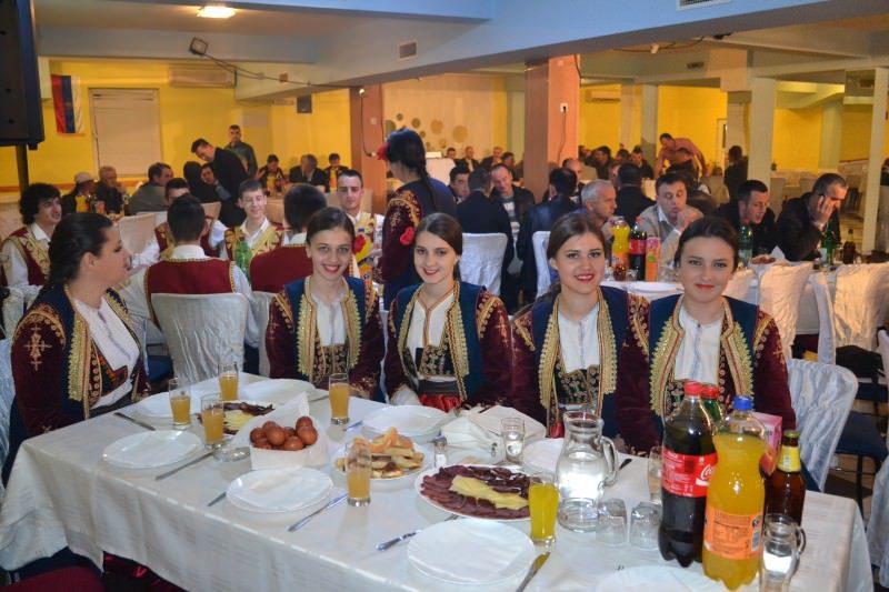 Хуманитарно вече за цркву у Биограду