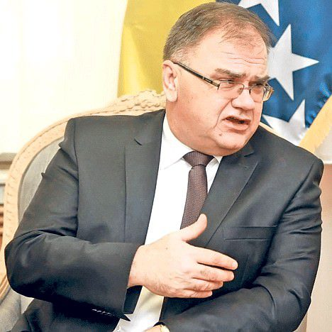ИВАНИЋ:У НАТО можемо ући само ако у њега уђе Србија