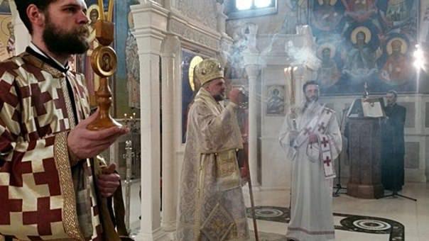Владика Григорије служи на Васкрс у Требињу
