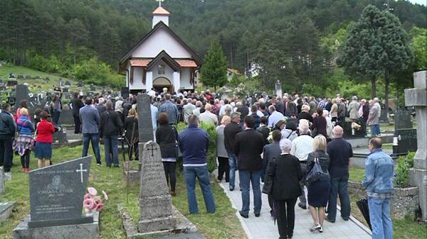 Коњиц: Освештана спомен-капела за убијене Србе (Видео)