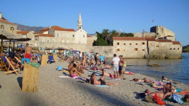 Руси узвраћају ударац: Црна Гора остаје без  туриста?