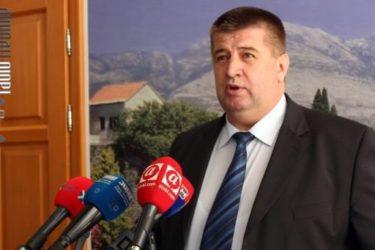 Vučurević: U Bobar banci pokradeno 7.690 boračkih stanova, 300.000 prosječnih plata i blizu 700.000 penzija