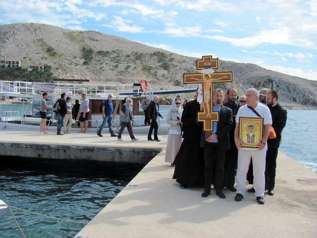 Паг: Служен помен за 8.000 жртва и подигнут спомен-крст