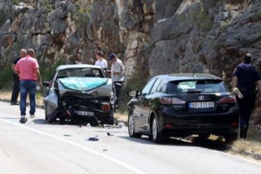 Три лица повријеђена у удесу у Билећи