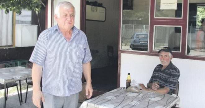 Најсретнија кафана у Херцеговини: Газда кафане удао шест конобарица!