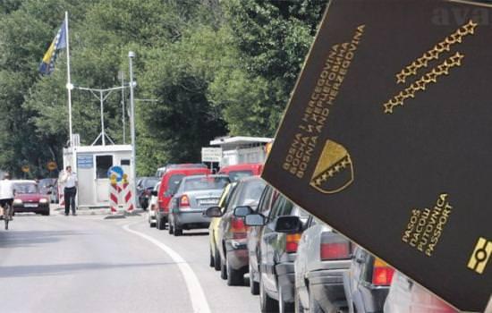 Велике гужве на граничним прелазима: На Иваници се чека 90 минута