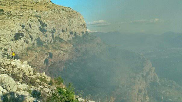 Пожари под контролом, гасиоци дежурају из страха од поновног активирања