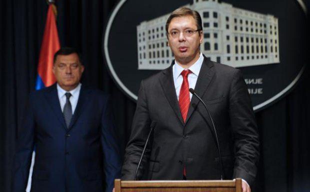 Вучић замолио Додика да размотри одлуку о расписивању референдума