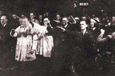 Надбискуп Пуљић позива на референдум о усташком поздраву