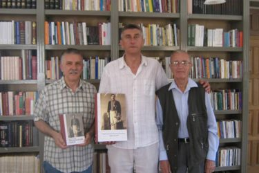Удружење Требињаца у Београду даровало књиге Андрићграду