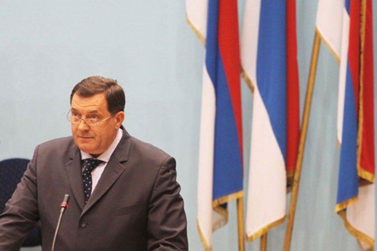 Додик повукао Закон о правима изабраних представника РС у периоду  од 1991. до 1996.