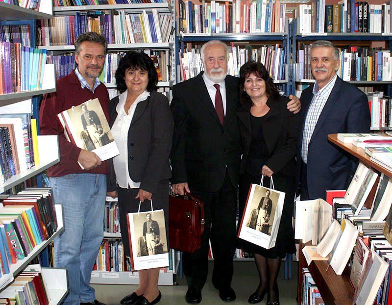"""Udruženje Trebinjaca darovalo knjige biblioteci """"Jovan Dučić"""" u Barajevu"""