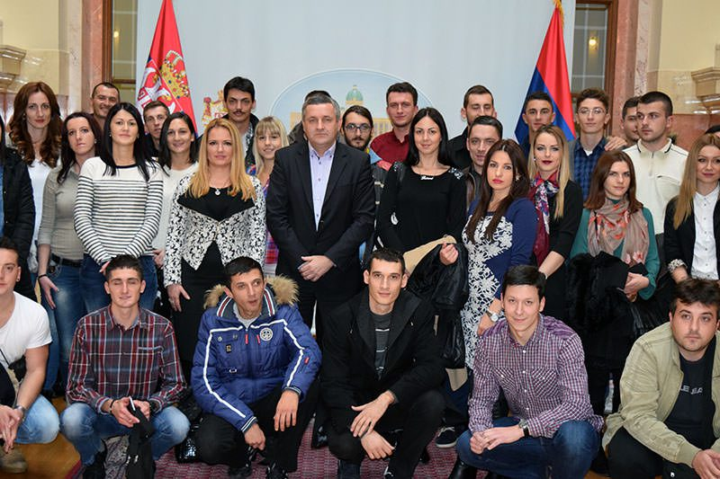 Миодраг Линта примио студенте из РС: Сачувајте српски идентитет, језик и ћирилицу! (ФОТО)