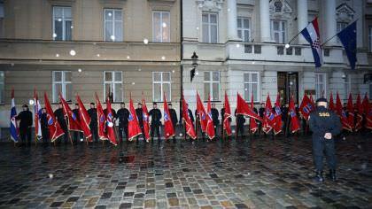 """БАСТАШИЋ:  Постројавање """"црнокошуљаша"""" опасна пријетња Србима"""