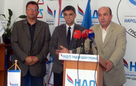 Крсмановић: Бобар банка омча око врата Милораду Додику