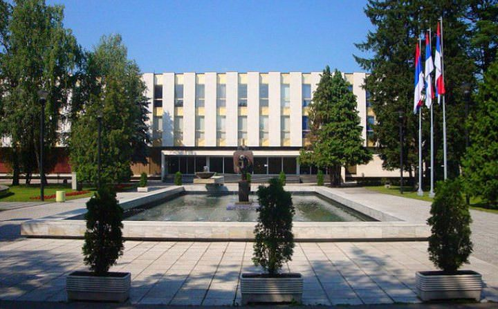 ИСТОРИЈСКА ОДЛУКА РС: Усвојена Декларација о геноциду Независне Државе Хрватске над Србима, Јеврејима и Ромима