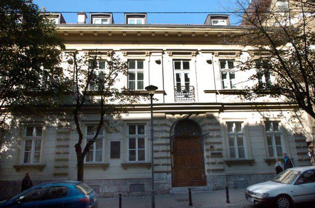 Католичка црква тражи и касарну гарде у Београду