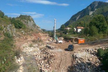 ФОЧАЦИ ЗАБРИНУТИ: Због градње малих хидроелектрана остаћемо без воде и асфалта!