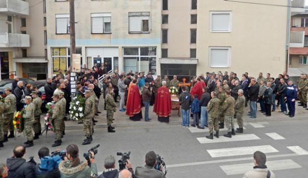Невесиње се опростило од војника Недељка Радића