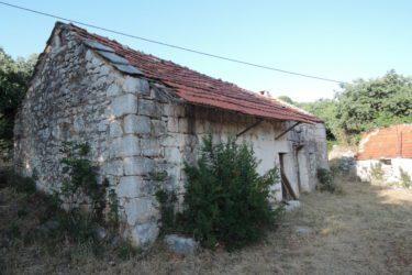 Покољ српске дјеце и жена у селима код Стоца у децембру 1943. године