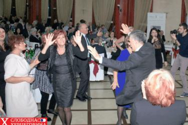 ДРУГО ОКУПЉАЊЕ БЕОГРАДСКИХ ТРЕБИЊАЦА У ОВОМЕ ВИЈЕКУ: Пјевало се Косову и Русији!