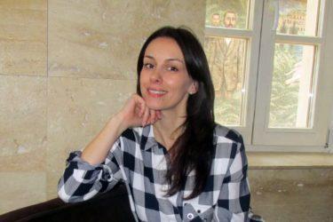 """Слобода Мићаловић: Требињци су ми као споменик за живота даровали """"Анђелкину капију""""!"""