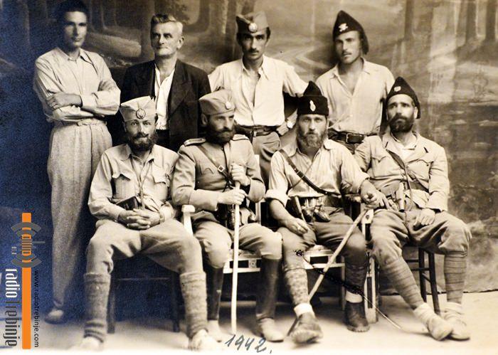 Pejanovic-sa-oficirima-Trebinje-1942