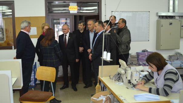 """НЕВЕСИЊЕ: Италијани купују """"Јавор"""" и запошљавају нових 70 радника"""