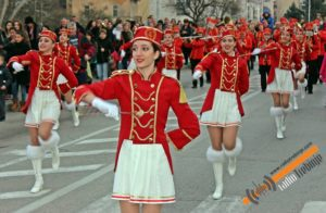 Карневал мимозе на улицама Требиња