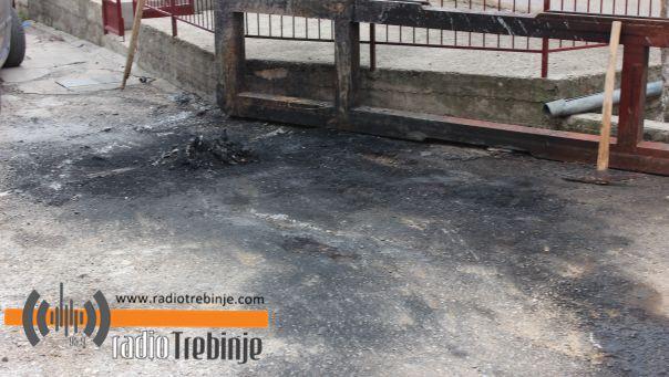 У Требињу изгорио аутомобил