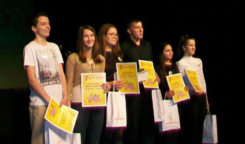 ПОНОС БИЛЕЋЕ: Ученице Мирјане Сворцан бриљирале на републичком такмичењу