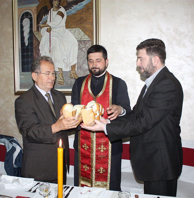 ГУДАЛО ЈЕ ВЈЕРУ ОЧУВАЛО: Савез гуслара Србије прославио крсну славу!