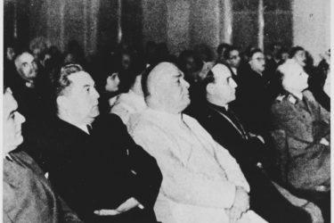 ФРАТРИ И ДУМЕ ПОДСТРЕКИВАЛИ УБИЈАЊЕ СРБА: Зашто Ватикан никад није осудио злодела својих свештеника у НДХ?