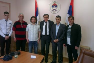 БЕОГРАД: Представништво РС поклонило компјутер завичајном клубу Билећана у Србији