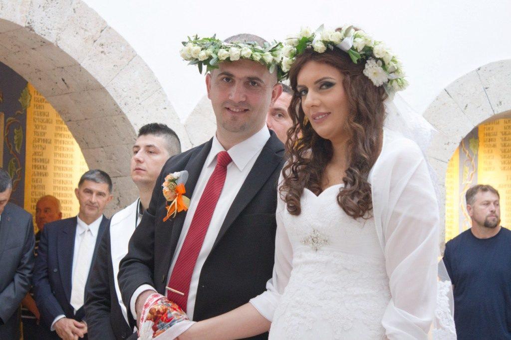 НАКОН 25 ГОДИНА: Историјско вјенчање у васкрслим Пребиловцима