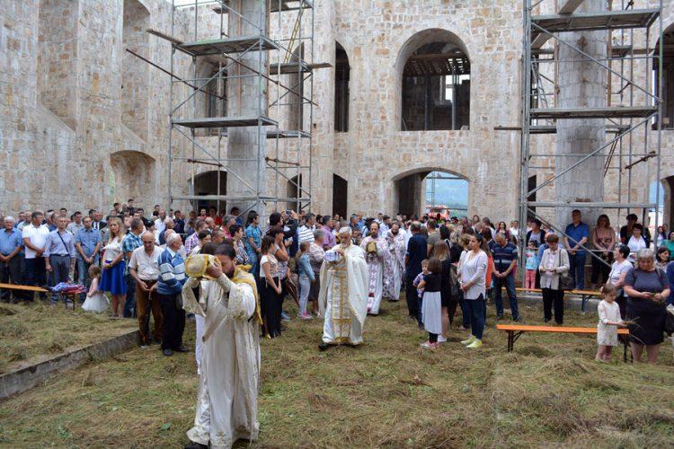 ТРОЈИЧИН ДАН У МОСТАРУ: Након 24 године одјекују звона Саборне цркве