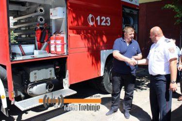 Након 32 године: Ново ватрогасно возило стигло у Требиње