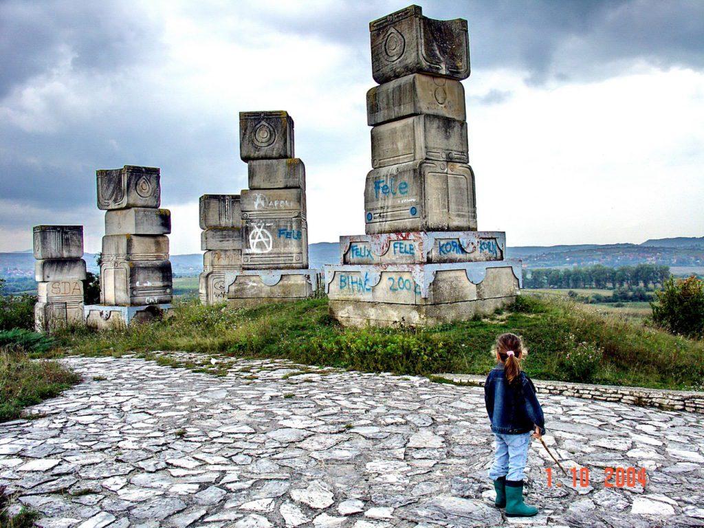 ГАРАВИЦЕ: Остали су само стубови од храма...