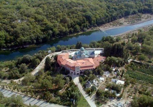 tvrdos_manastir-panorama-500x350
