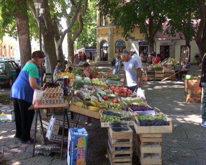 ТРЕБИЊСКА ПИЈАЦА: Трговци, исправним чувањем робе сачуваћете и муштерије