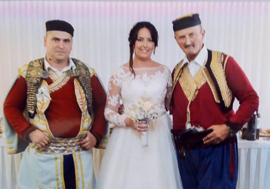 ДРАШКОВИЋИ - ЧУВАРИ ХЕРЦЕГОВАЧКЕ ТРАДИЦИЈЕ: Сватови у народној ношњи