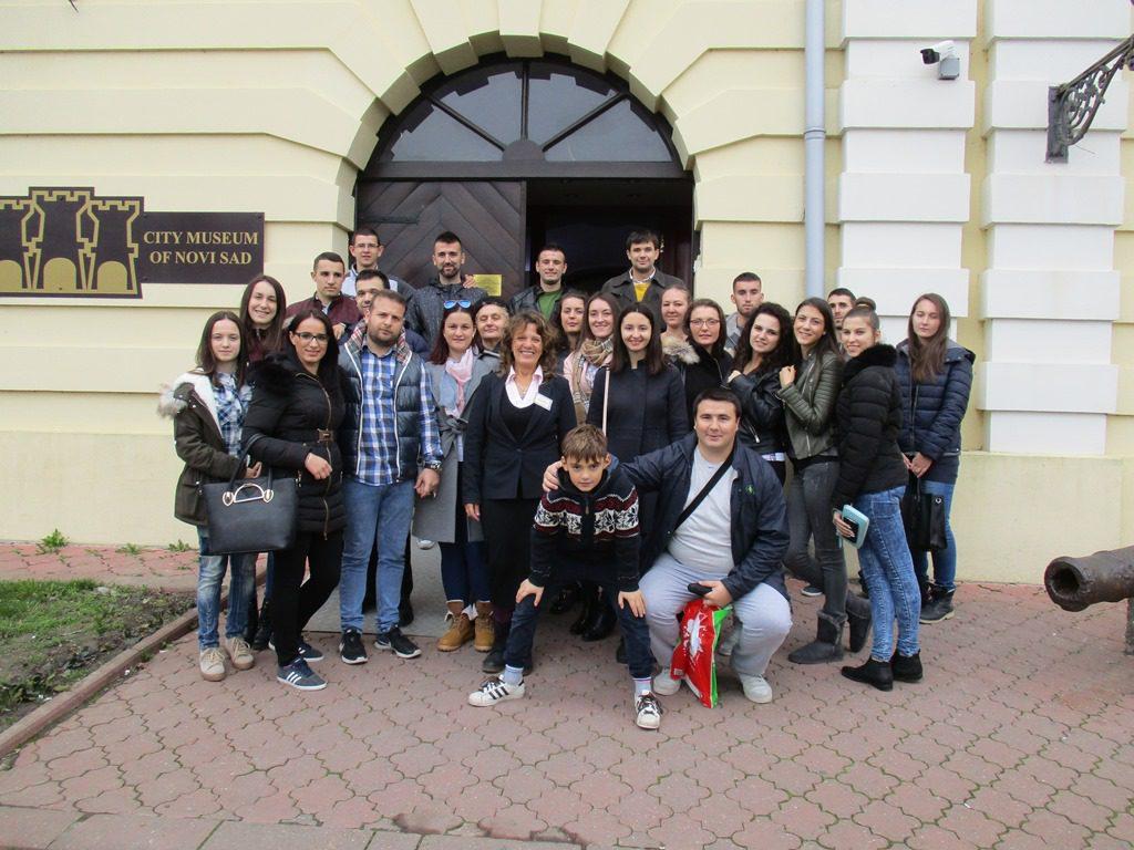 ОТКРИЛИ ТАЈНЕ ПЕТРОВАРАДИНСКЕ ТВРЂАВЕ: Млади Херцеговци посјетили Музеј града Новог Сада