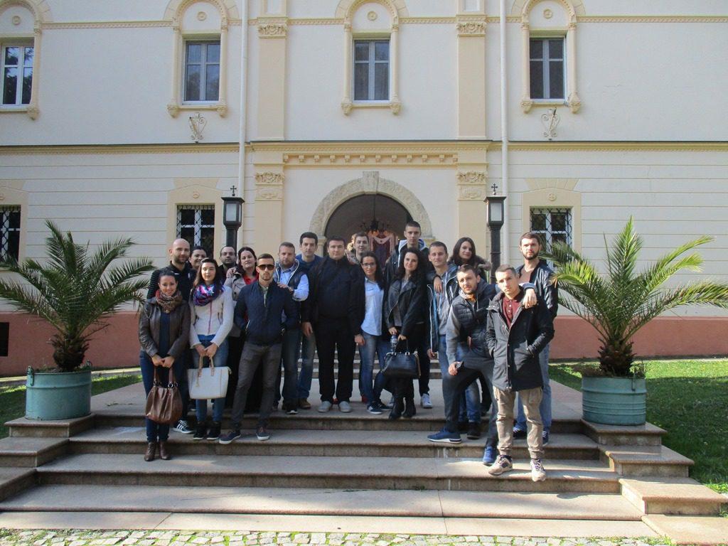 НЕДЈЕЉА НА СРПСКОЈ СВЕТОЈ ГОРИ: Млади Херцеговци обишли фрушкогорске манастире