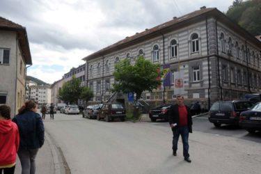 ПОНОВНО БРОЈАЊЕ ГЛАСОВА: Специјалци РС ушли у зграду Изборне комисије у Сребреници