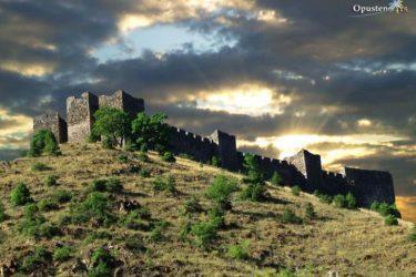 Средњевјековни град Маглич и долина јоргована