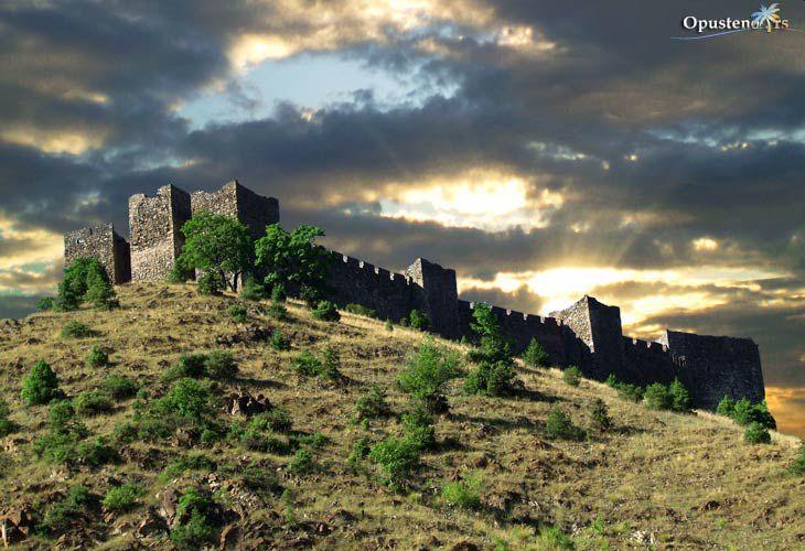 srednjovekovni-grad-utvrdjenje-maglic-0