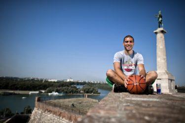 КЛИКНИТЕ ХЕРЦЕГОВЦА КОЈИ ЈЕ СРБИЈИ ДОНИО ЗЛАТО! Булут кандидат за најатрактивнијег играча у Абу Дабију! (ВИДЕО)