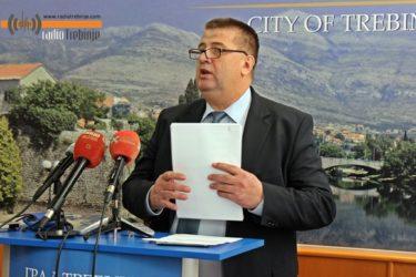 СЛАВКО ВУЧУРЕВИЋ: Новом градоначелнику остављамо милионе донација и стабилну градску касу