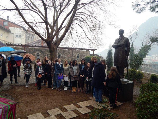 ЈЕДАН ЈЕ АЛЕКСА: Обиљежена годишњица Шантићеве смрти